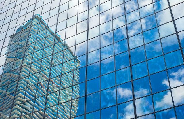 Edificio de oficinas corporativas y de vivienda_abraham cababie daniel